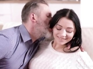 Old-n-Young.com - Emily Bender - Lovely girl takes boredom medicine