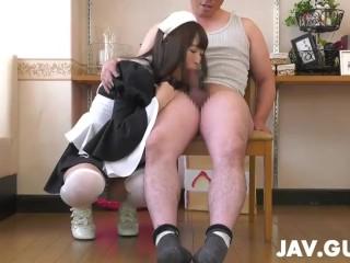 Yuuki Mayu in maid cosplay blowjobing a few dudes
